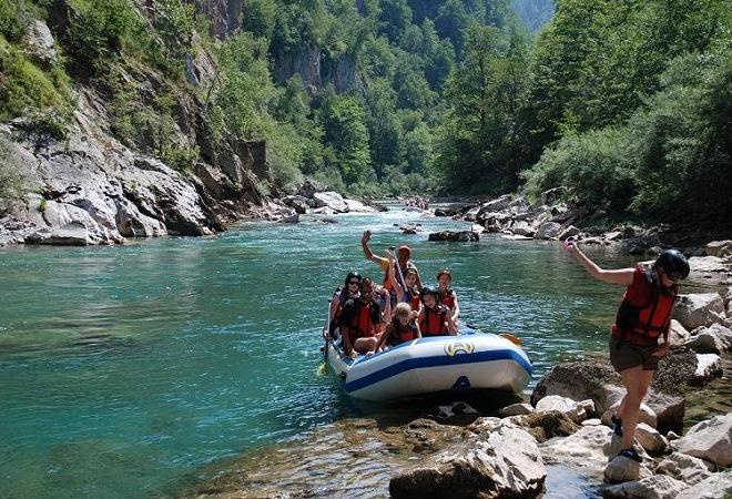 Узнайте о секретах рафтинга на реке Тара в Черногории