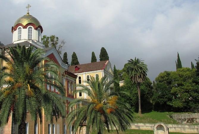 Кто не был а Абхазии гостем, тот в жизни еще не богат «Золотое кольцо Абхазии»