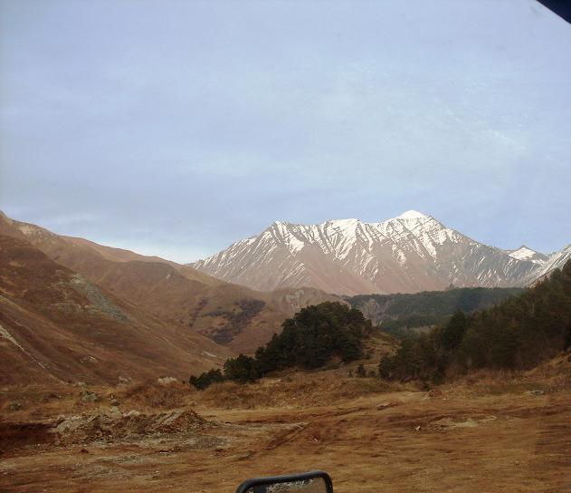 Снежные вершины Осетии