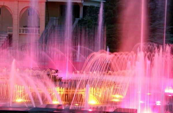 Поющий фонтан Монтжуик