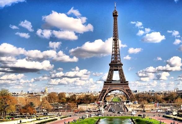 Самые известные достопримечательности Франции и США: «железные леди»